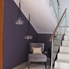 modern staircase by DecoDesignCenter.com