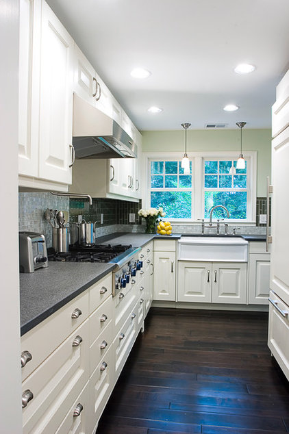 Traditional Kitchen by cg creative interiors