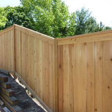 Traditional Landscape by Fence Consultants of West Michigan