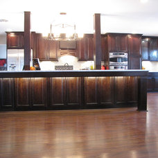 Contemporary Kitchen Cabinetry by Randy Stein (Lowe's Home Improvement)