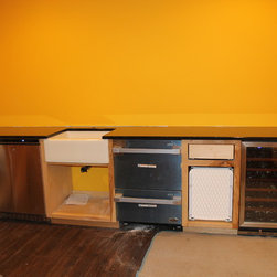 Custom Surfaces (Outdoor Kitchens, Bars, Table Tops, Thresholds, Ext.) -
