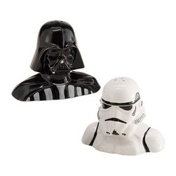 Darth Vader Storm Trooper Salt and Pepper Shakers - Join the empire with two of the most feared icons in the galaxy - Darth Vader & Stormtrooper. The Star Wars Darth Vader and Stormtrooper Salt and Pepper Shakers will bring Star Wars right to your kitchen or dinning room table. It includes one (1) Darth Vader pepper shaker and one (1) Stormtrooper salt shaker.