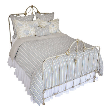 Julien - Duvet - Crafted in a blend of cotton and organic linen, the striped Julien Duvet can suit nautical styles, masculine rooms, or dainty patterned schemes with equal ease � its muted but vibrant striped pattern in sea blue, dark flax, and clean white has the boldness of style and the traditional provenance to carry them all.  A mix of broad and narrow stripes give the cover its luxurious but lively richness.  The bottom of this duvet cover is made of pure linen.