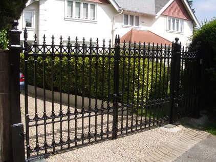 Home Fencing And Gates by Heritage Cast Iron USA