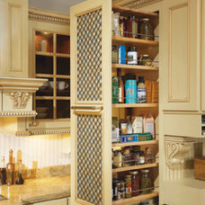 Traditional Kitchen Cabinetry by Wellborn Cabinet, Inc.
