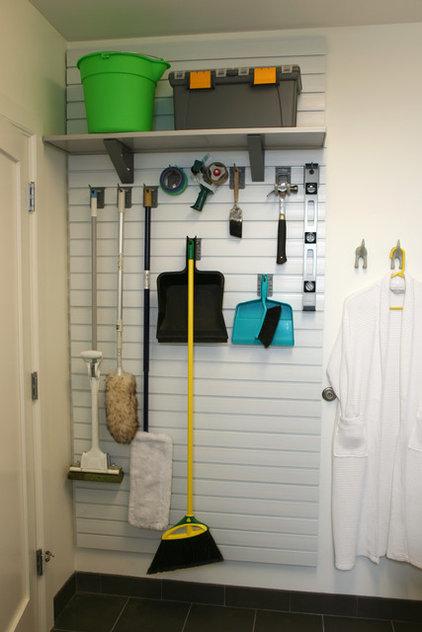 jetzt kommt endlich ordnung in besenkammer und putzschrank. Black Bedroom Furniture Sets. Home Design Ideas