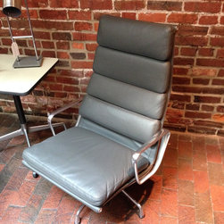 """Eames Aluminum Group """"Soft Pad"""" Lounge - Grey leather."""