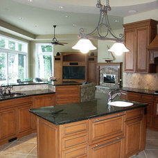 Kitchen by Thelen Total Construction