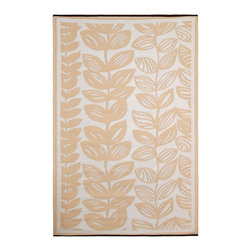 None - Prater Mills Indoor/ Outdoor Reversible Beige/ Cream Rug - Brighten up any space with this reversible indoor-outdoor area rug made from durable 100 percent recycled plastic. Its neutral beige and off-white tones form an attractive leaf pattern with smart borders that is inverted on the reverse side.