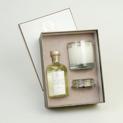 Frontgate - Antica Farmacista Prosecco Diffuser & Candle Set - Contains an 8 oz. diffuser, a 9 oz. round candle and a luxuriously detailed nickel-plated tray. Processo scent: Top notes of Satsuma citrus balance with subtle floral notes of muguet; apricot and passion fruit complement the sweetness of sugared black currant. Diffuser arrives in an antique-inspired apothecary bottle. Insert the white birch reeds through the open neck to diffuse the scent; invert the reeds every few days or as desired to enhance the effect. Candle is produced in a clear glass vessel with a platinum leaf pattern. The Antica Farmacista Processo Diffuser and Candle Set is a beautiful collection for adding fragrance to your home. The diffuser imparts a long-lasting fragrance, making any room smell fresh and clean. The candle delivers 60 hours of scented illumination.  .  .  .  .  . Made in USA.