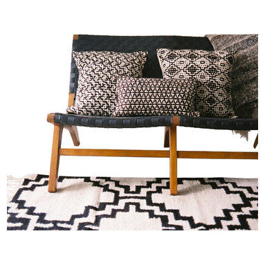 Ka-hoko - Handmade Geometric Ikat Natural Woven Rug, 2.5x6.5 - Handmade by individual artisans in Kenya with years of experience using all-natural, locally sourced materials.
