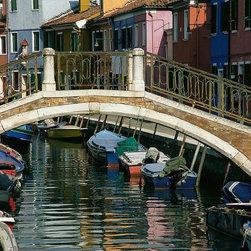 Magic Murals - Stone Footbridge in Venice Italy Wallpaper Wall Mural - Self-Adhesive - Multiple - Stone Footbridge in Venice Italy Wall Mural