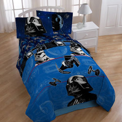 Star Wars - Star Wars 'Darth Vader' 6-piece Bed in a Bag with Pillow Buddy - This vivid bedding set features detailed imagery from Star Wars including a prominent Darth Vader. With everything needed to dress the bed, this set is conveniently machine washable.