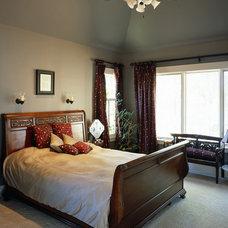 Traditional Bedroom by Grainda Builders, Inc.