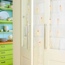 Photo from http://www.traditionalhome.com/design_decorating/kitchens/great-kitch