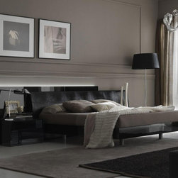 Rossetto - Nightfly Platform Bed in Black by Rossetto USA - Features: