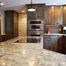 by Inde Kitchen Remodelers