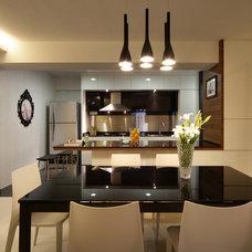 Modern Kitchen by Max T