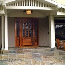 Traditional Entry by Woodard & Associates Inc.