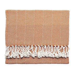 Serena & Lily - Herringbone Throw  Autumn - Is there anything better than cozying up with a blanket during fall? I like this herringbone throw because it's warm enough to use during the colder months, but still light enough to use year-round.