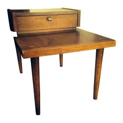 American of Martinsville End Tables - A Pair - A pair of Mid-Century Modern end tables by American of Martinsville - Martinsville, VA. These end tables are great for the living room and work well as night stands. The table features tapered legs, an upper section with a dove-tailed drawer, and inlaid cross motifs on the corners. This is a set sure to satisfy your craving for Mid-Century design!