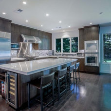 Contemporary Kitchen by A.V. Builders Inc.