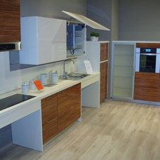 Modern Kitchen by SVEA KITCHENS