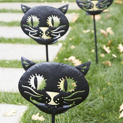 Cat Luminary Stake - These cat luminary stakes for the yard are the perfect way lead your guests to your front door on Halloween night.