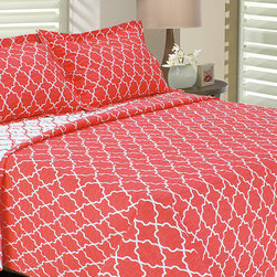 Melange Home - Bright Coral Trellis Eileen West Quilt Set - Sleep soundly beneath this cozy bedding set that features a bold, eye-popping color and a versatile trellis pattern. �� Includes quilt and two shams Outer: 75% microfiber polyester / 50% cotton Fill: 100% polyester Machine wash; tumble dry Imported
