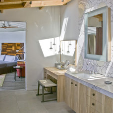 Beach Style Bathroom by Laidlaw Schultz architects