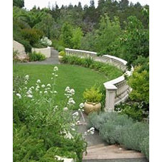 Traditional Landscape by Small Brown Landscape Architects
