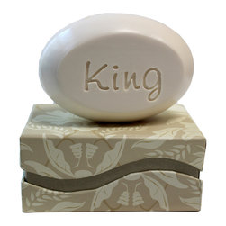 New Hope Soap - Personalized Scented Soap Bar Gift Set Engraved with King, Coconut & Vanilla - Personalized Scented Soap Bar Gift Set Engraved with King