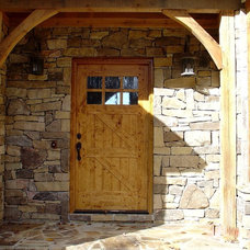 Rustic Entry by Scott Daves Construction Co., Inc