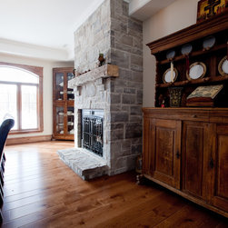 White Oak Live Sawn - Allegheny's Live Sawn White Oak is an exclusive floor that creates a stunning hardwood floor while minimizing the amount of waste created in the process.