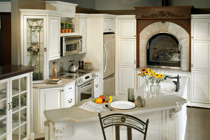 Traditional Kitchen Cabinets by Lawsons Signature Kitchens
