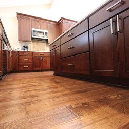 Transitional Kitchen Cabinetry: Find Kitchen Cabinets Online