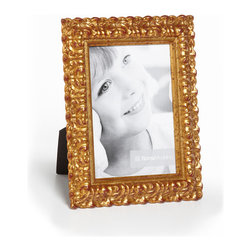 """Origin Crafts - Vintage antique gold leaf wood picture frame - Vintage Antique Gold Leaf Wood Picture Frame Amongst the twenty arrondissements or districts that make up Paris there is a former fortress which stands proud as the focal point of district number one ? the Louvre. A majestic masterpiece where priceless art is encased in classic elegance, founded in the spirit of authentic French tradition. It was here in the Louvre, inspired by its magnificence and contribution to modern culture that Vintage was born. Dimensions (in): Width: 1 1/2, Height: 1 Holds (4""""x6"""", 5""""x7"""", 8""""x10"""") photos. By Roma Moulding - Roma Moulding uses only the highest quality materials. Roma owes it?s renown to exquisite details: meticulous applications of gold and silver leafing, genuine woods, exotic veneers, patinas, superior lacquers and finishes all done by hand. Roma employs time proven techniques to achieve the stunning finishes other manufacturers strive to achieve. Ships within Five Business Days."""