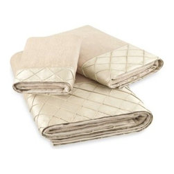 Bombay - Bombay Vivienne Bath Towel - These elegant bath towels combine a luxurious velvet feel with an elegant diamond hand pintucked cuff. The classic style of these towels will lend a luxe, stylish touch to your bathroom.
