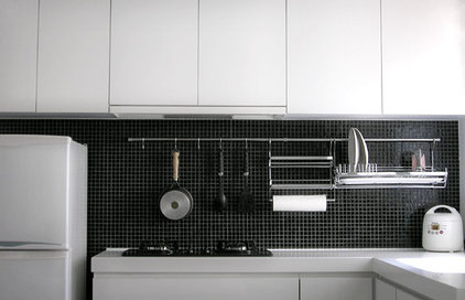 Contemporary Kitchen by ADARC Associates Limites