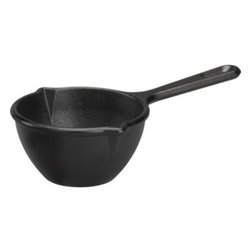 Lodge® Cast Iron Melting Pot - Grandma was on to something with the timeless cast iron skillet, preferred by many chefs. Ready-to-use pre-seasoned pot gives that homespun cast iron appeal and solid performance. Renowned for its superior heat retention, all-purpose melting pot cooks and serves hot or cold appetizers, desserts, sauces and sides. Suitable for oven or grill, induction ranges and ceramic cooktops.
