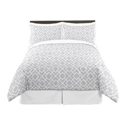 Sweet Jojo Designs - Diamond Gray & White 3-Piece Queen Bedding Set by Sweet Jojo Designs - The Diamond Gray & White 3-Piece Queen Bedding Set by Sweet Jojo Designs, along with the  bedding accessories.