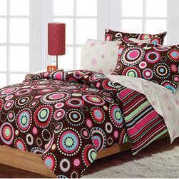 None - Gypsy 7-piece Full-size Bed in a Bag with Sheet Set - Give your bedroom a dramatic makeover in a flash with this retro full-size bed in a bag. You won't have to worry about hunting down matching sets because everything you need is here,including a comforter,two shams,sheets,and two pillow cases.