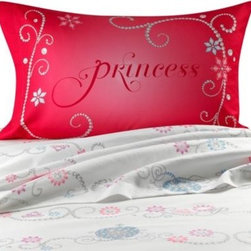 Disney - Disney Princess Tiara Sheet Set - This Disney Princess sheet set is a great way to update your child's bedroom. These sheets are super soft and coordinate perfectly with the Princess Tiara comforter.