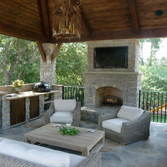 traditional patio by Michael Versen &amp; Associates