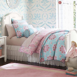Madeline Bedroom Set - Detailed with artful curves and signature moldings, our Madeline Collection has sweet style.