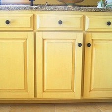 Dana Herbert: Faux Painting: Antiqued Kitchen Cabinets