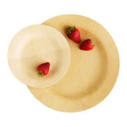 Veneerware Round Plates - I like using these bamboo plates at picnics and barbecues as a more stylish alternative to the paper variety. I find you can get away with using them a couple of times too.