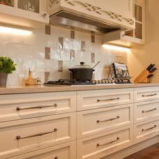 Country Kitchen Gallery & Design Examples | Direct Kitchens