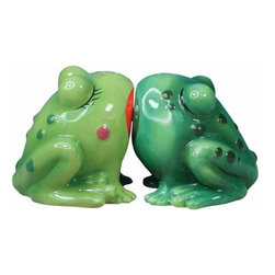 WL - 2 Inch Light and Dark Green Spotted Frogs Kissing Salt and Pepper Set - This gorgeous 2 Inch Light and Dark Green Spotted Frogs Kissing Salt and Pepper Set has the finest details and highest quality you will find anywhere! 2 Inch Light and Dark Green Spotted Frogs Kissing Salt and Pepper Set is truly remarkable.