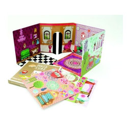 Château Royal - This set allows kids to decorate and redecorate a collapsible castle however they please.
